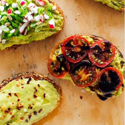 Avocado-Toast vegan σνακ συνταγή