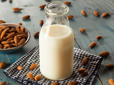 Smoothie Μήλο Μπανάνα Κανέλα_vegan γάλα αμυγδάλου