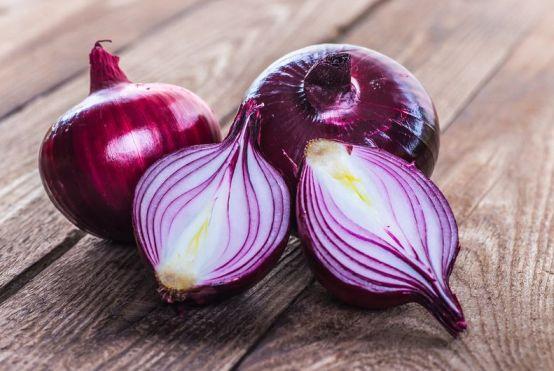 Vegan Σαλάτα Μπρόκολο Ρεβίθια με Αβοκάντο σως_Θρεπτική αξία κόκκινα κρεμμύδια