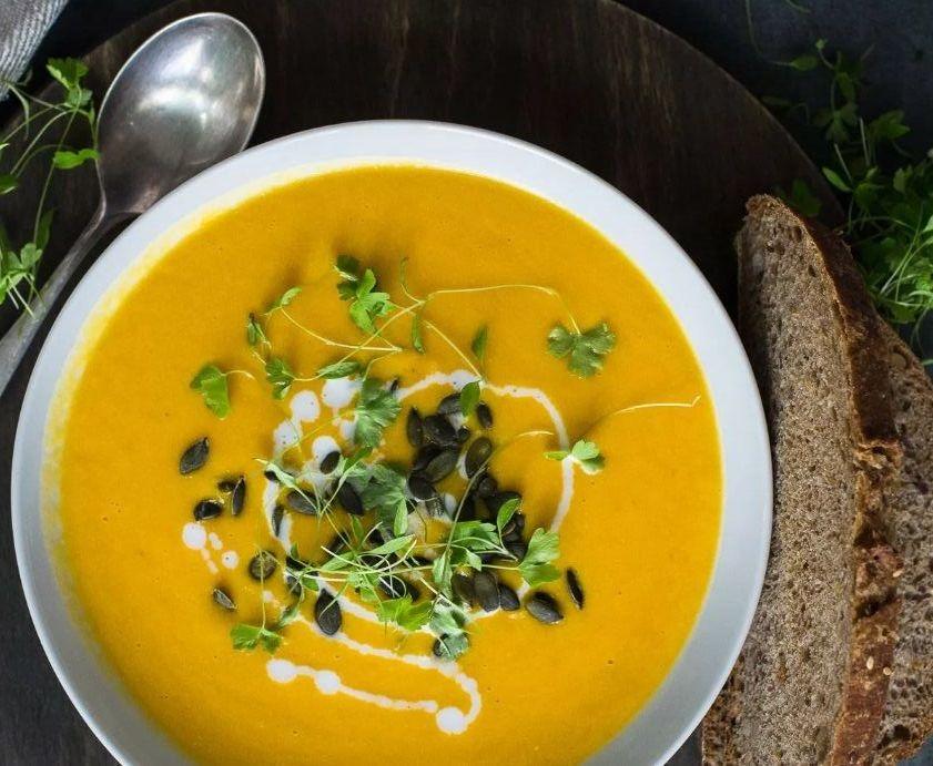 Μια χειμωνιάτικη Vegan Σούπα με Τζίντζερ