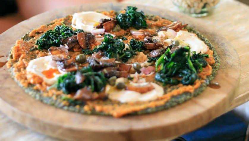 Vegan Pizza με Ζύμη Μπρόκολου και Σπιτική Vegan Μοτσαρέλα