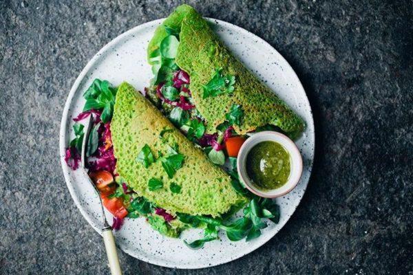 Πράσινες vegan Κρέπες με Αβοκάντο και Λαχανικά χωρίς γλουτένη