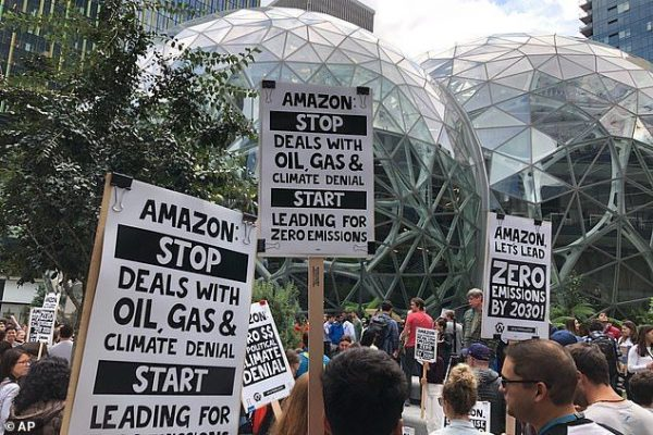 Jeff Bezos Amazon αντιμετώπιση κλιματικής_κρίσης