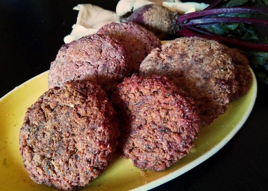 Vegan Μπιφτέκια με Μανιτάρια, Παντζάρι, vegan burger συνταγή