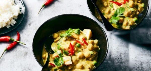 Κάρυ πατάτας ρεβίθια με μπιζέλια βίγκαν συνταγή
