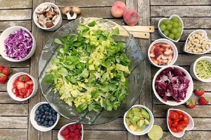 Τρόφιμα που μπορούν να βοηθήσουν την ψυχική υγεία φρούτα λαχανικά