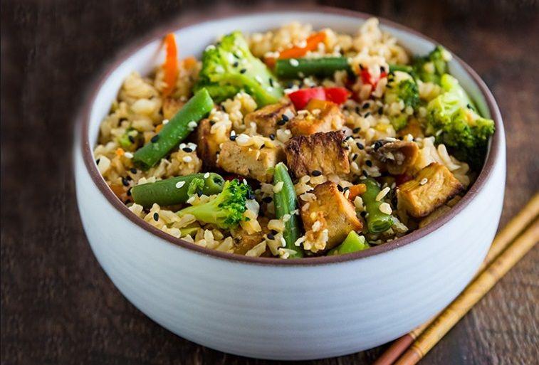 Τηγανητό Ρύζι Λαχανικών με τόφου vegan συνταγή