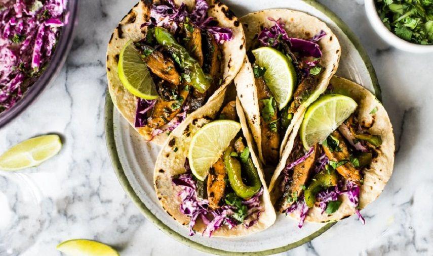 Εύκολα Vegan Τάκος με μαριναρισμένα μανιτάρια, πιπεριές και κόκκινο λάχανο συνταγή νηστίσιμη